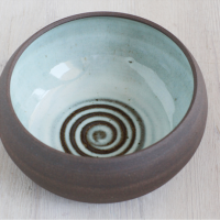 ©Ann Cutting - Pottery - http://www.ceramicpix.com/new-products/black-mountain-clay-bowl-with-spiral